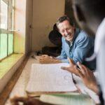 Tennishjälten och artiststjärnan bygger skolor och internat i Kenya